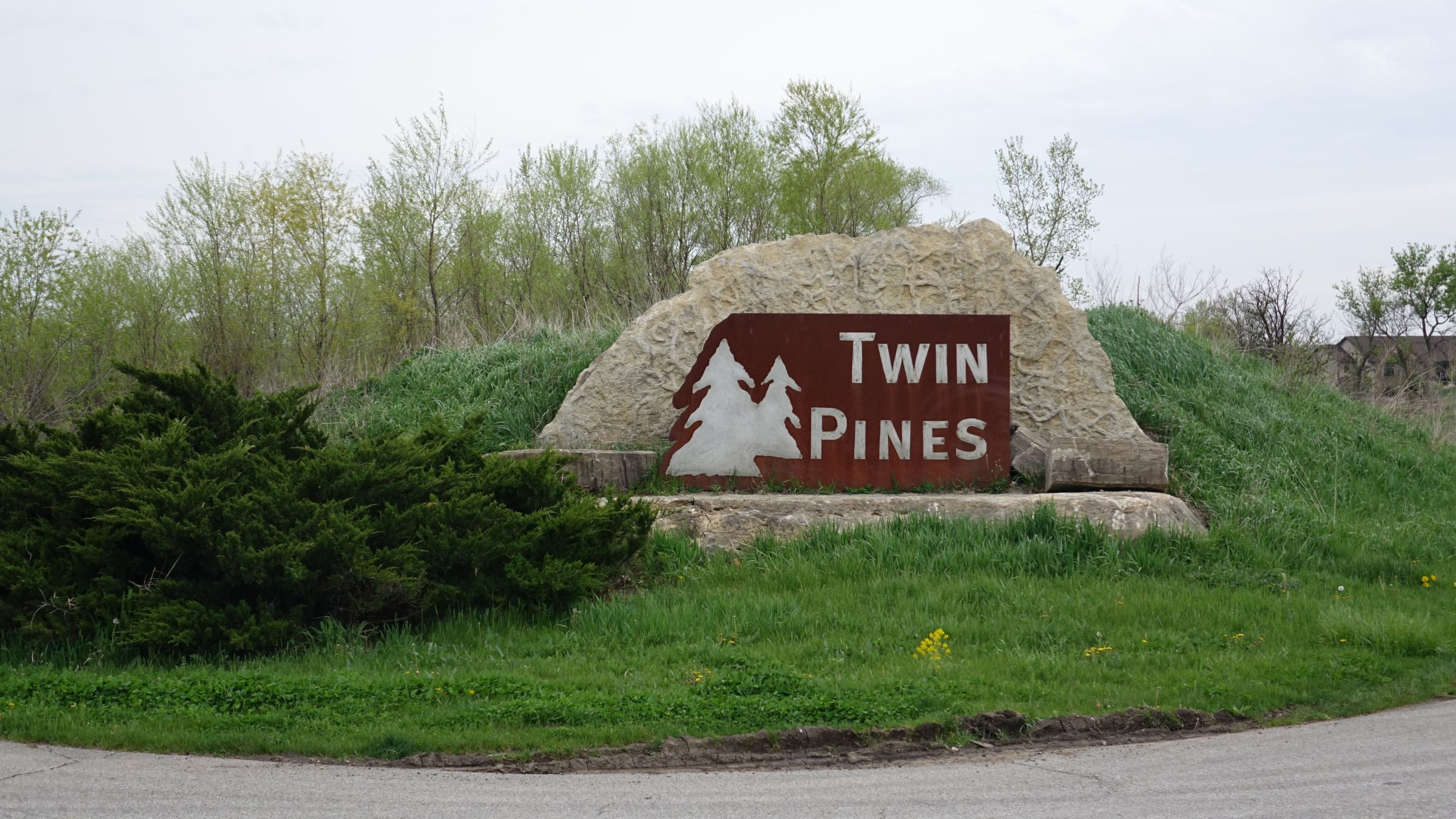 Twin Pines Earlham