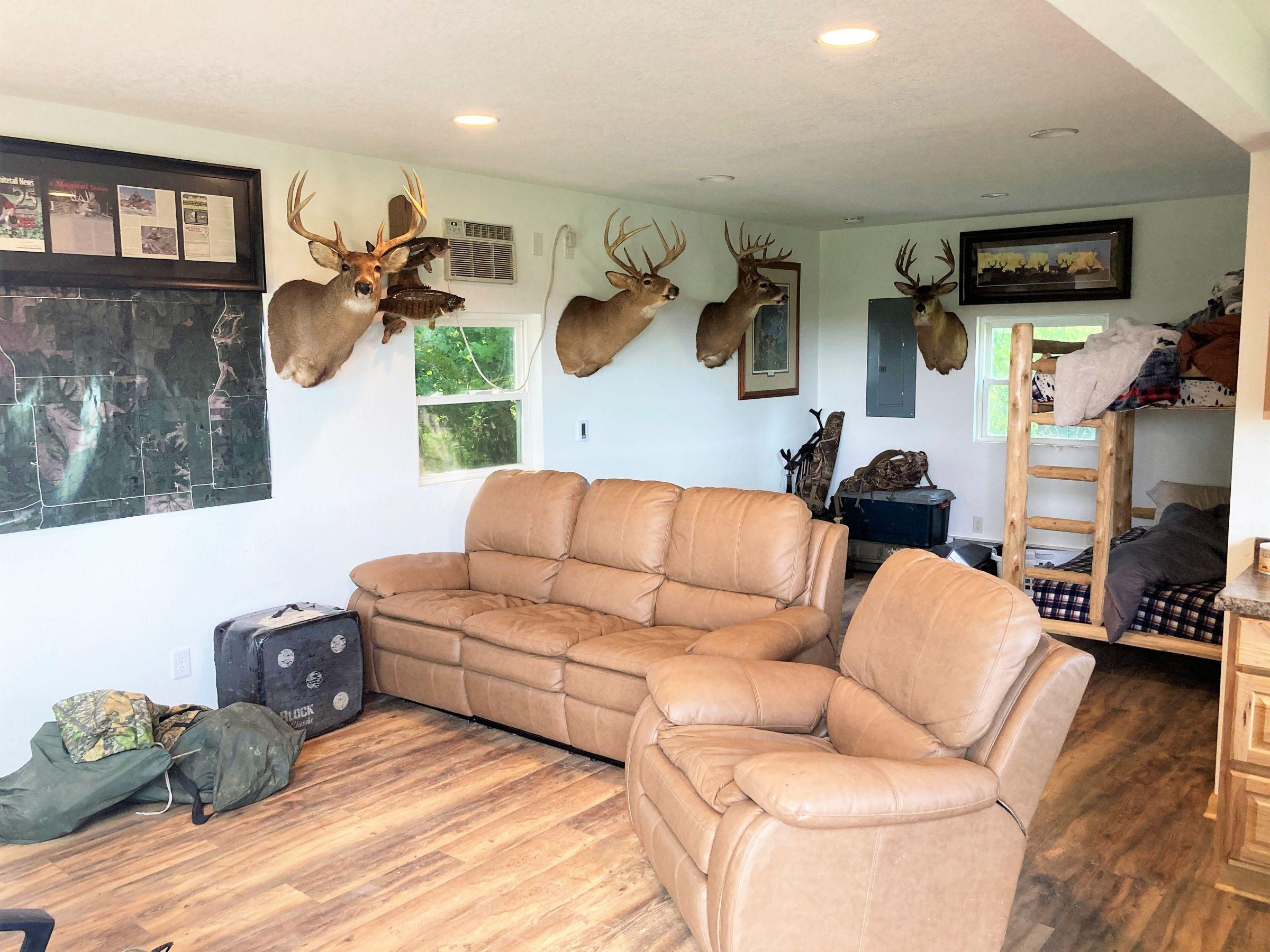 land-clarke-county-iowa-325-acres-listing-number-15416-8-2021-03-18-163324.JPG