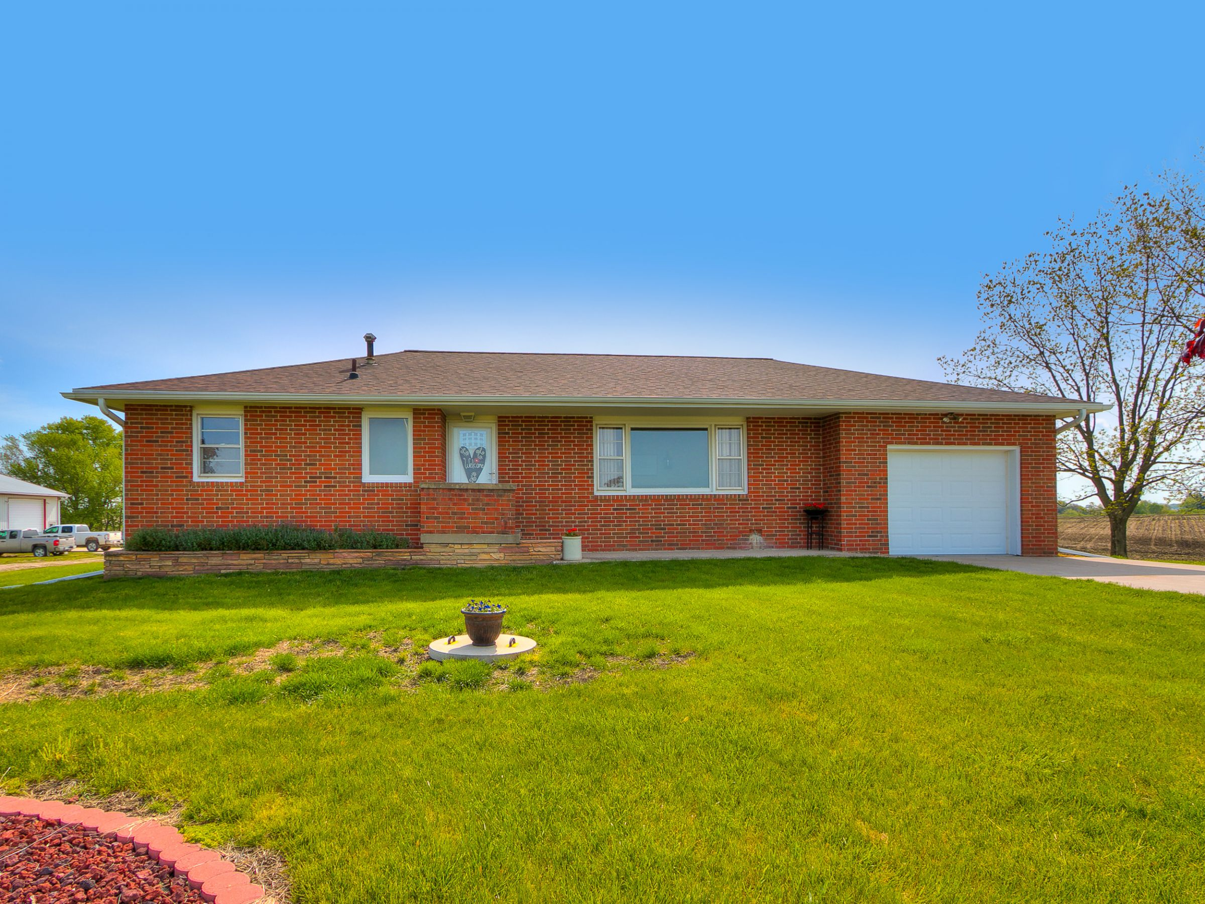 residential-warren-county-iowa-3-acres-listing-number-15516-1-2021-05-12-144632.jpg