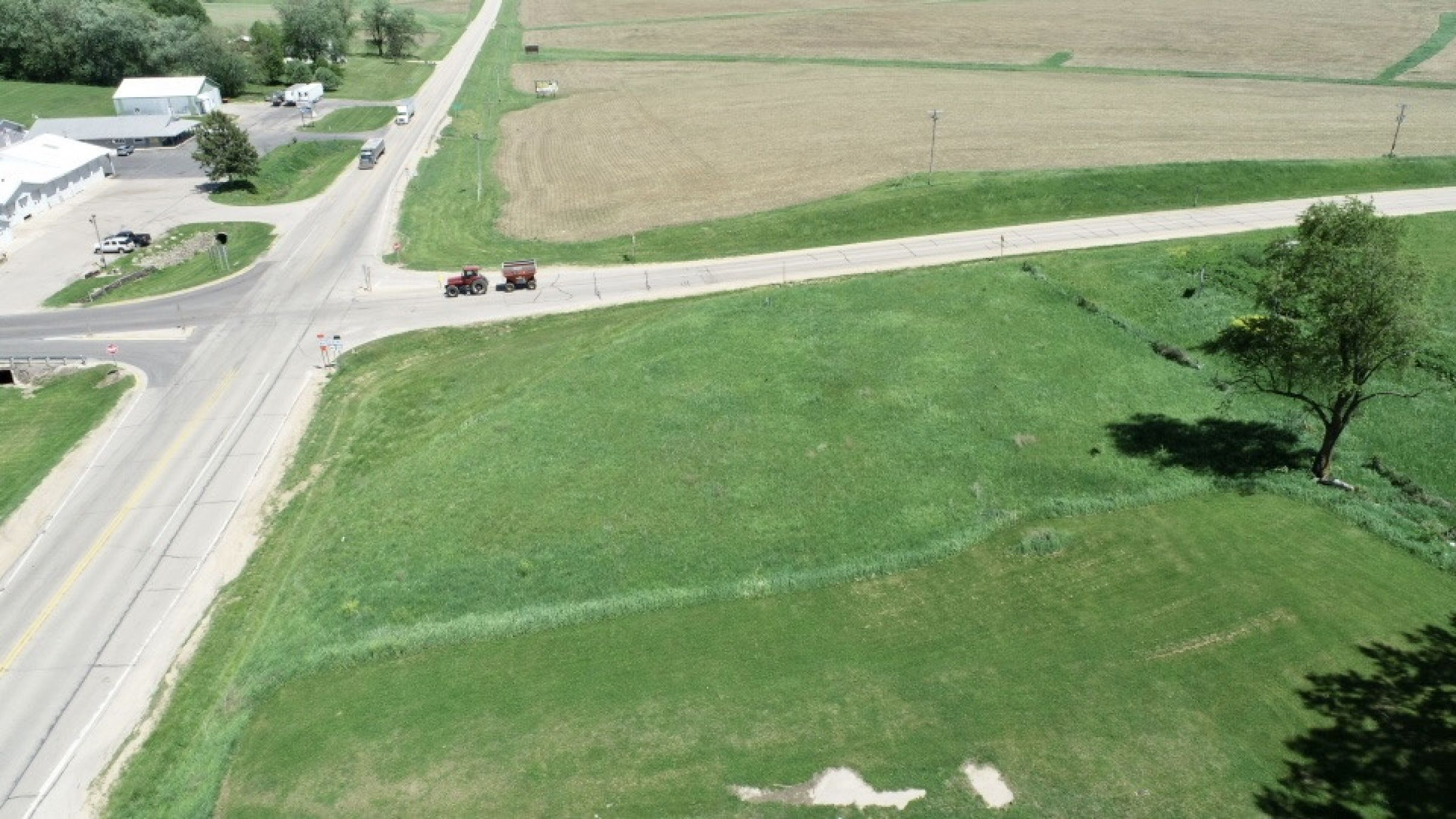 land-commercial-lafayette-county-wisconsin-1-acres-listing-number-15560-12-2021-05-28-185526.jpg