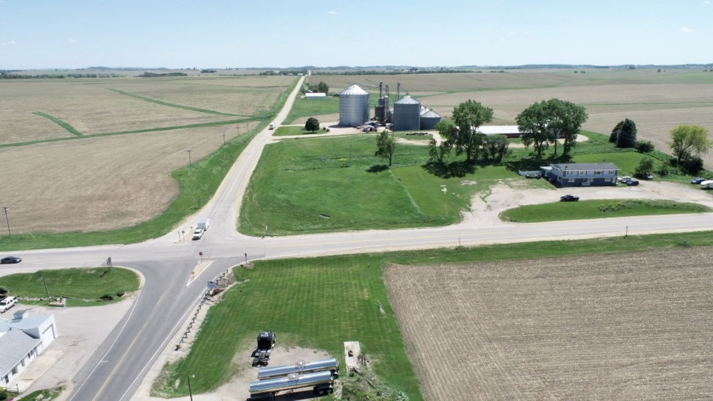 land-commercial-lafayette-county-wisconsin-1-acres-listing-number-15560-3-2021-05-28-185523.jpg
