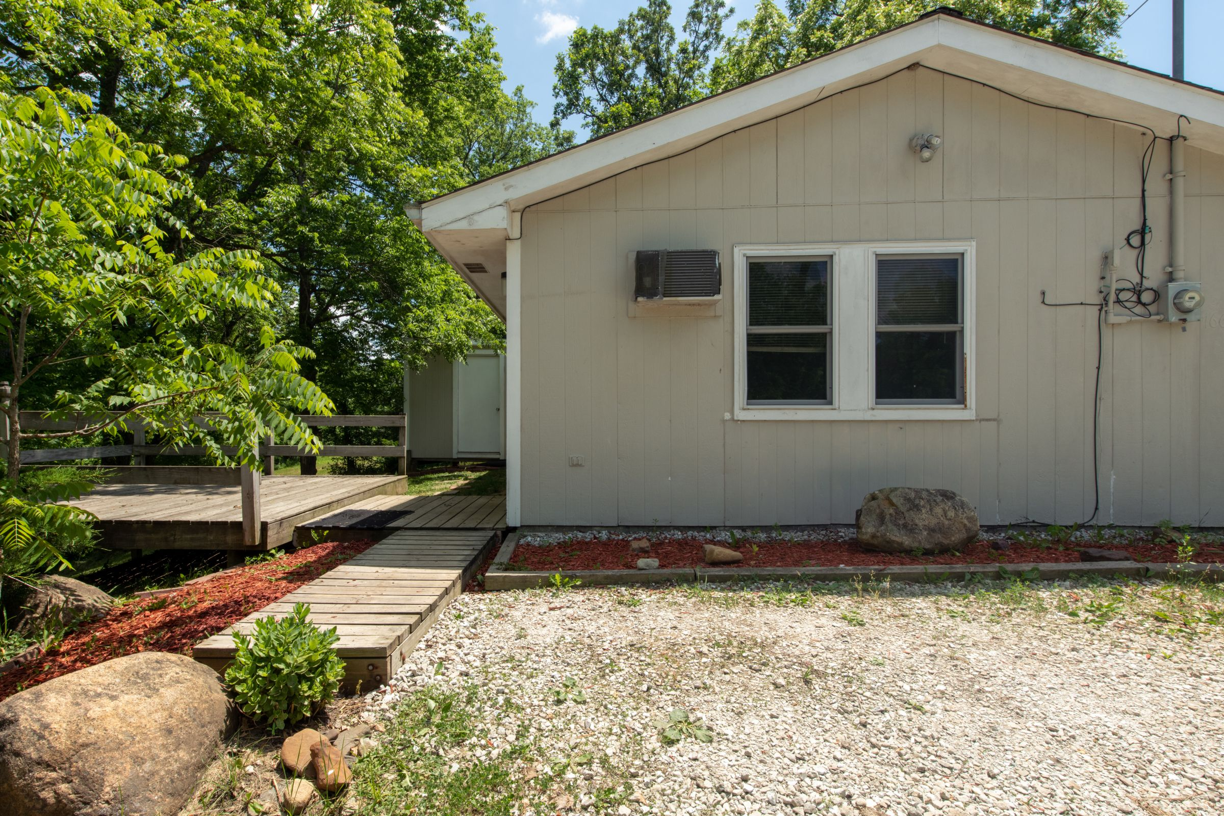 residential-warren-county-iowa-2-acres-listing-number-15576-0-2021-06-11-201310.jpg