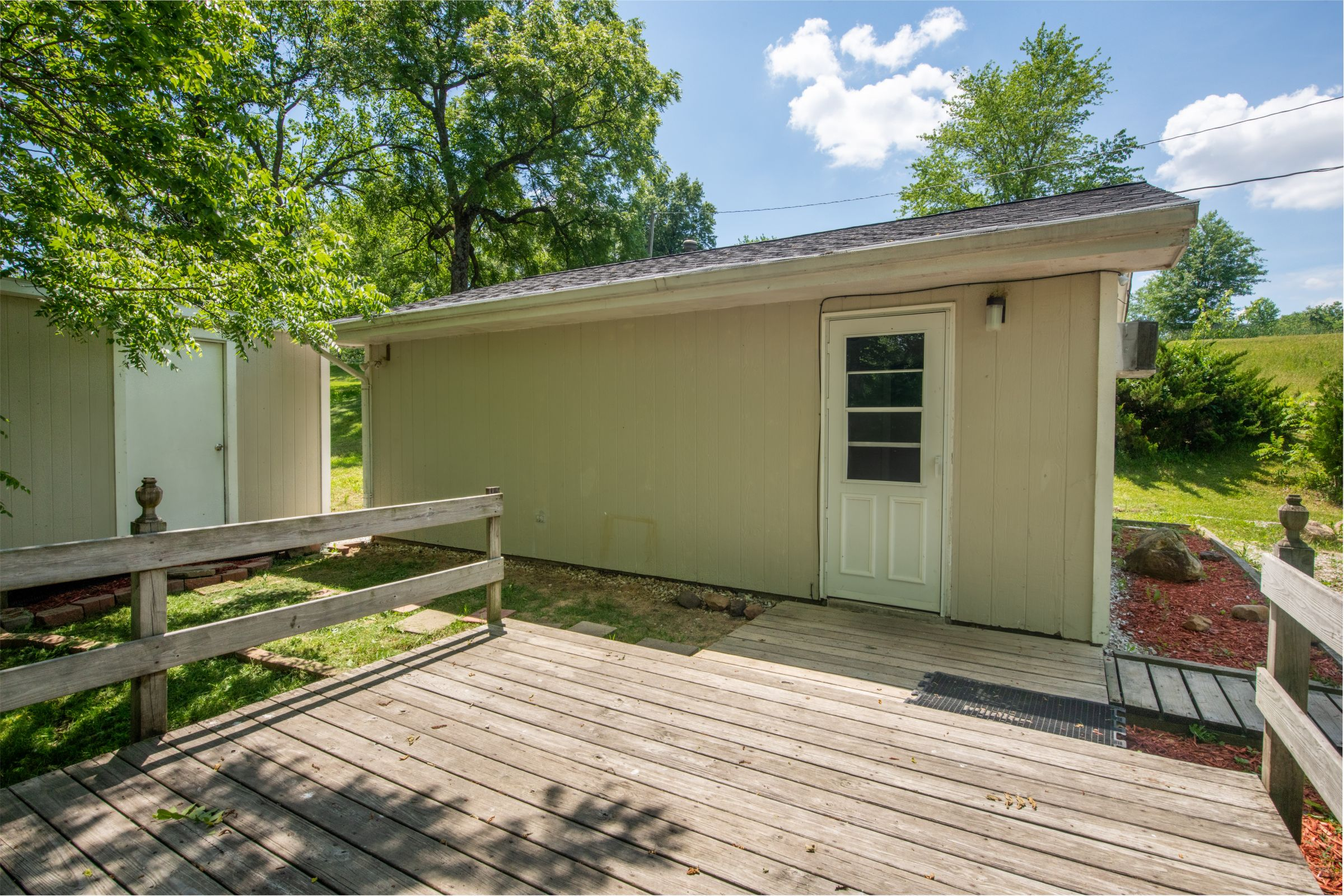 residential-warren-county-iowa-2-acres-listing-number-15576-2-2021-06-11-201317.jpg