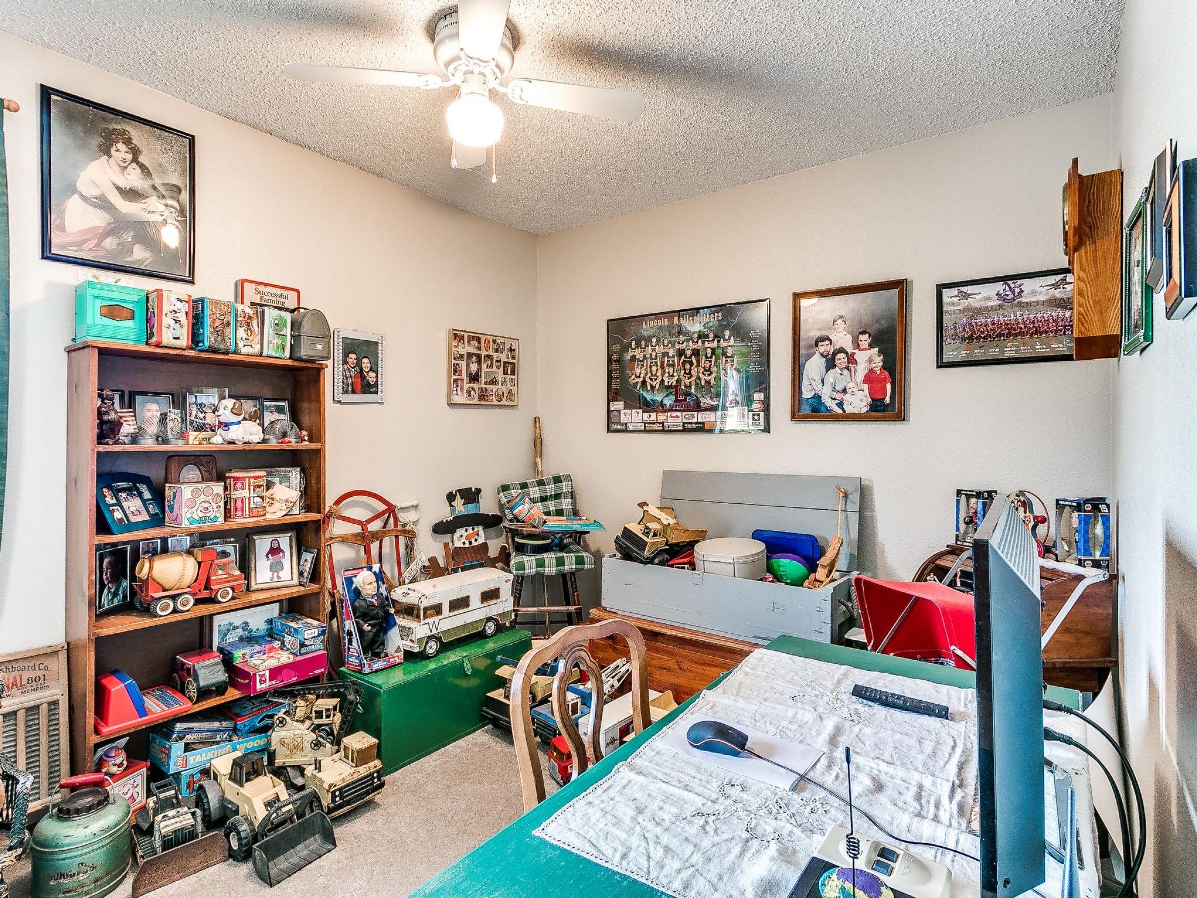 residential-warren-county-iowa-3-acres-listing-number-15593-0-2021-06-18-155610.jpg