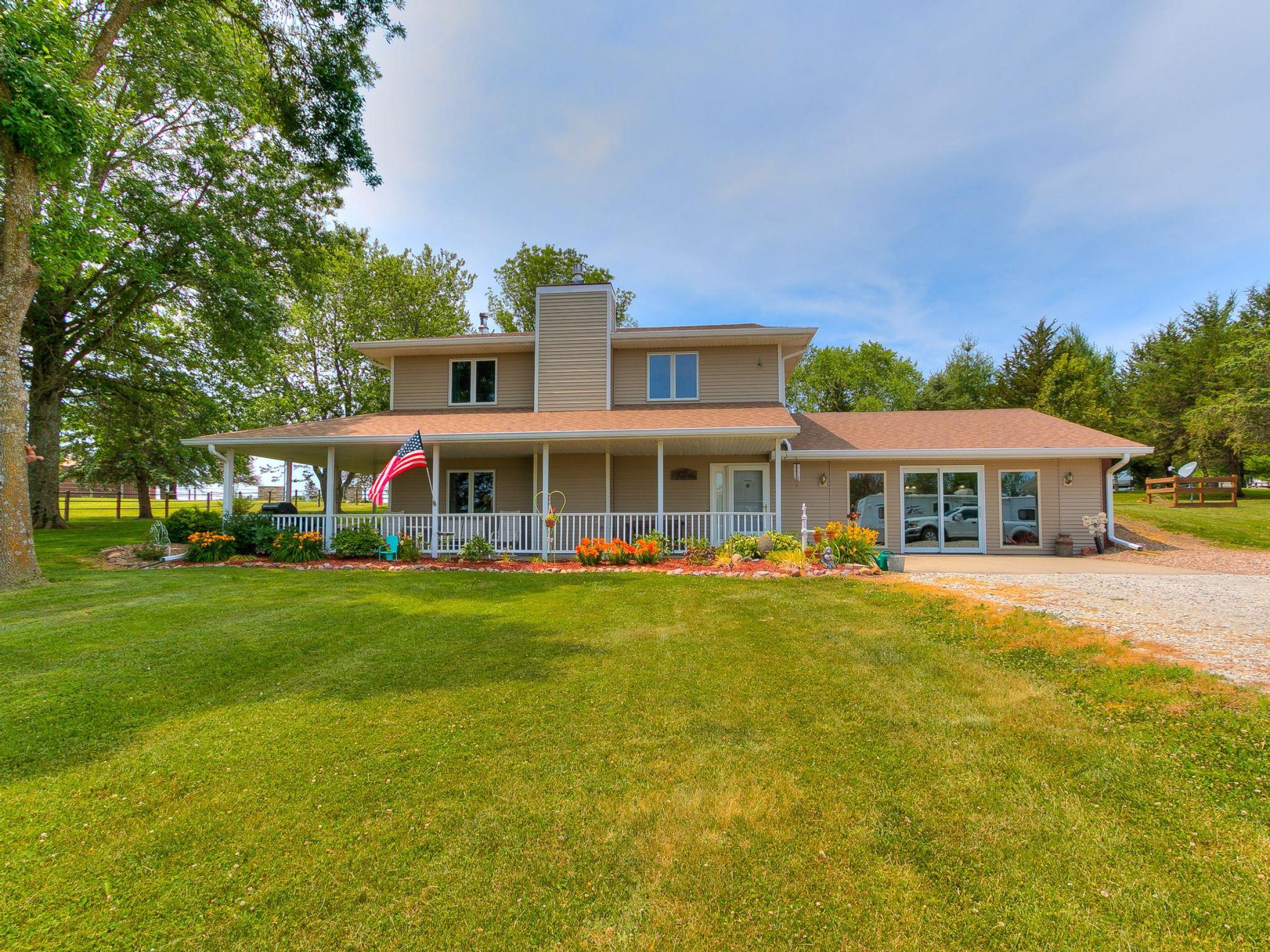 residential-warren-county-iowa-3-acres-listing-number-15593-2-2021-06-18-154522.jpg