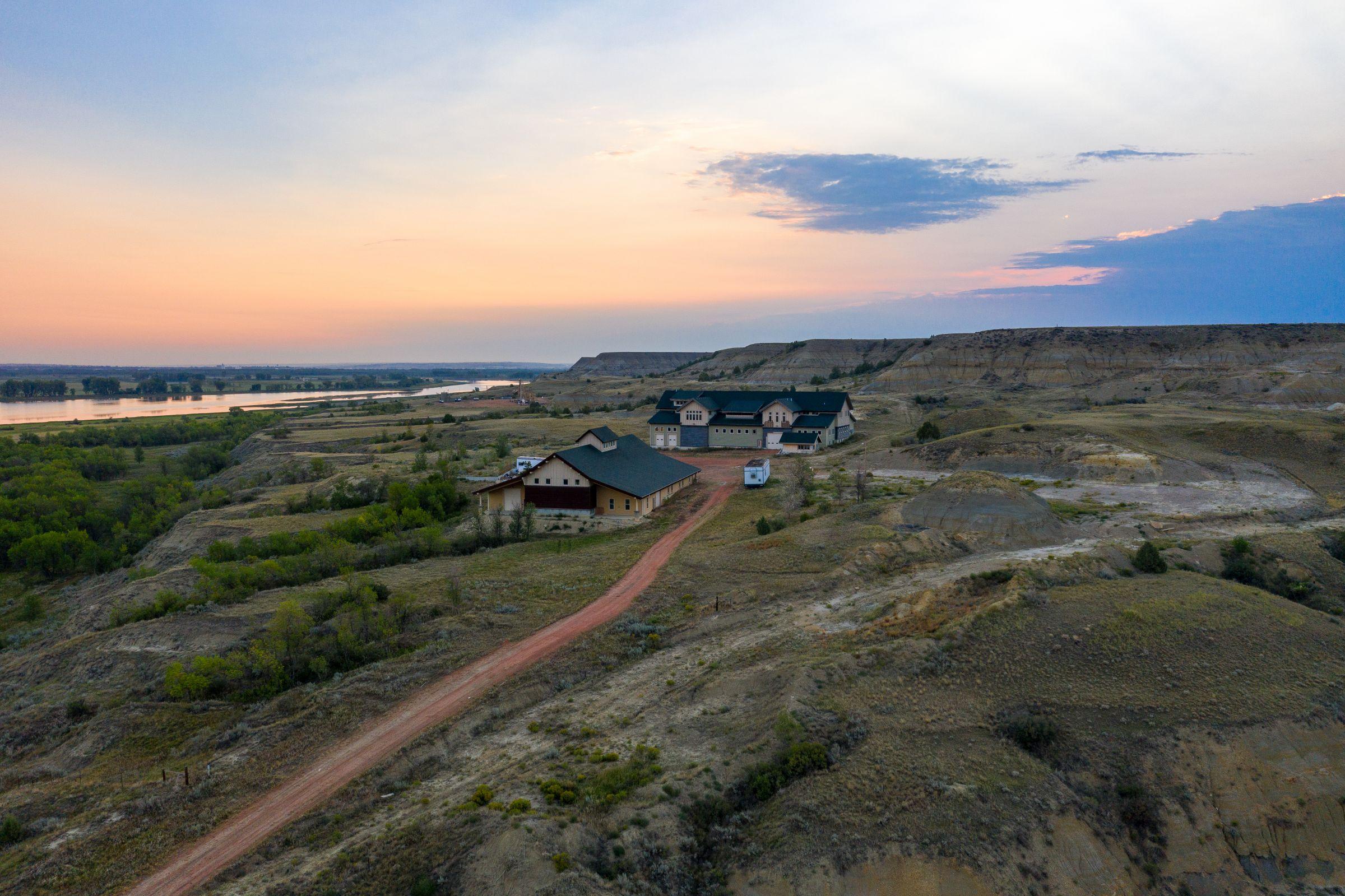 auctions-land-mckenzie-county-north-dakota-270-acres-listing-number-15735-0-2021-09-09-202108.jpeg