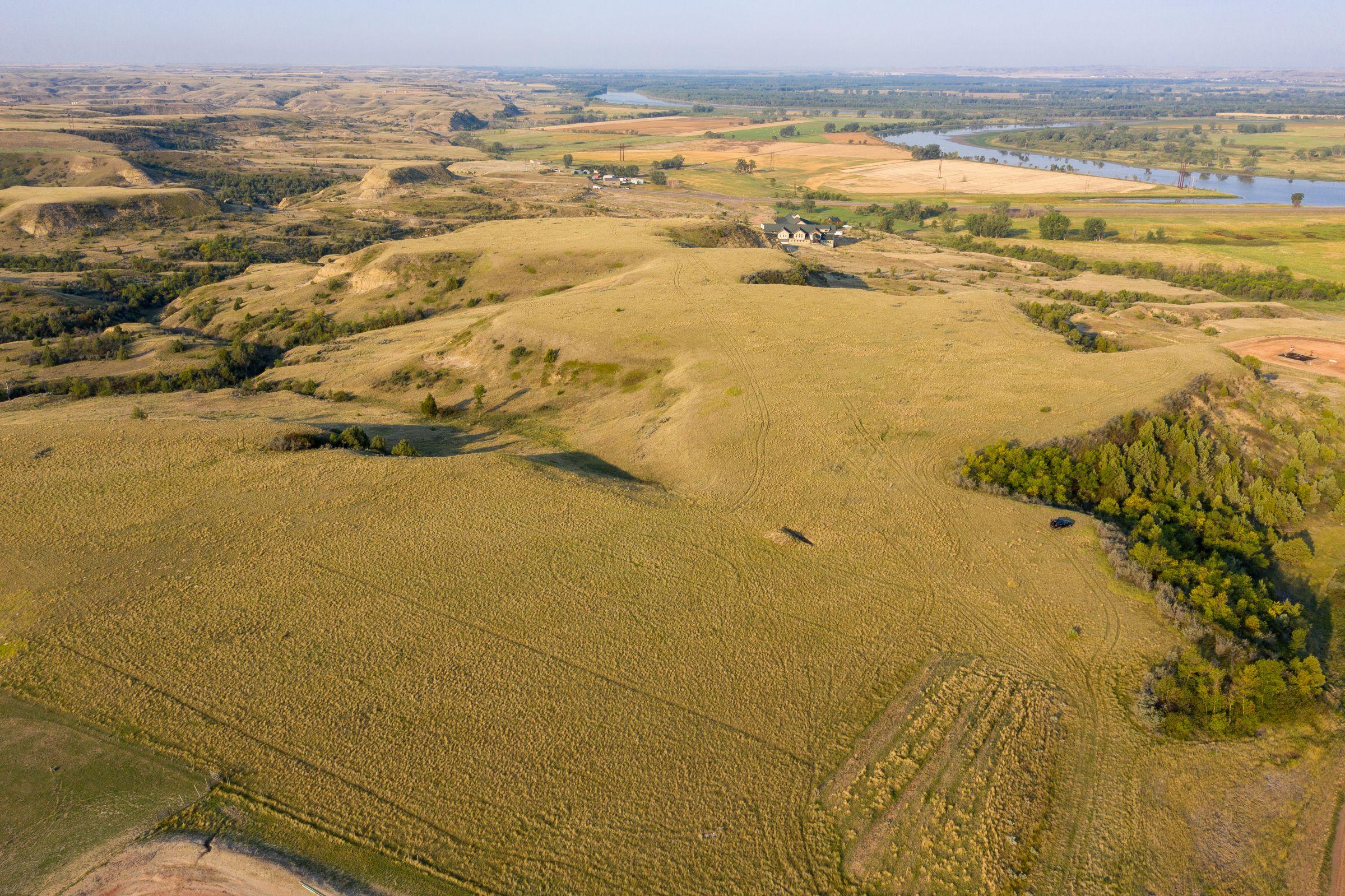 auctions-land-mckenzie-county-north-dakota-270-acres-listing-number-15735-0-2021-09-10-125100.jpeg