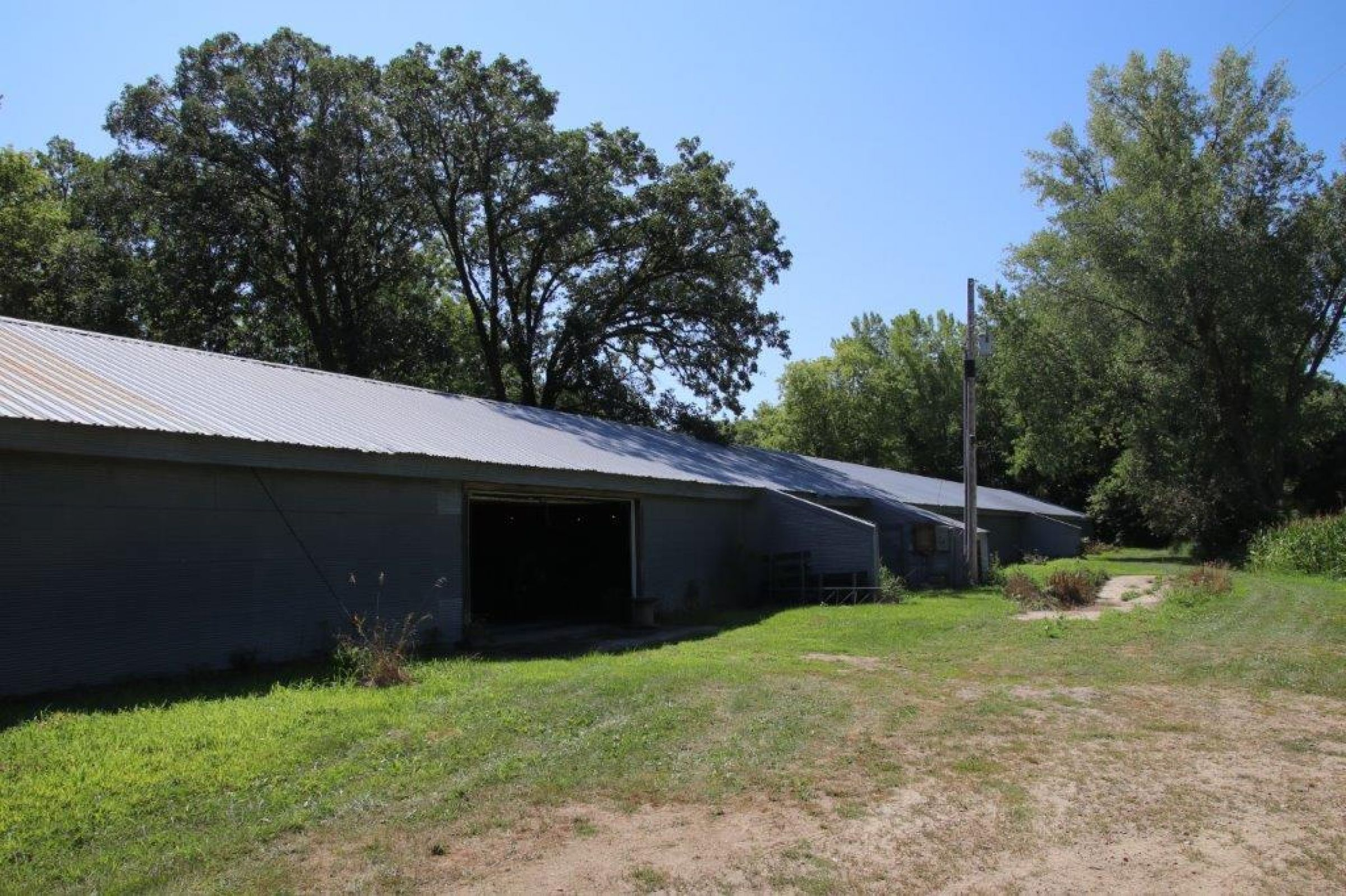 storage building / Shop