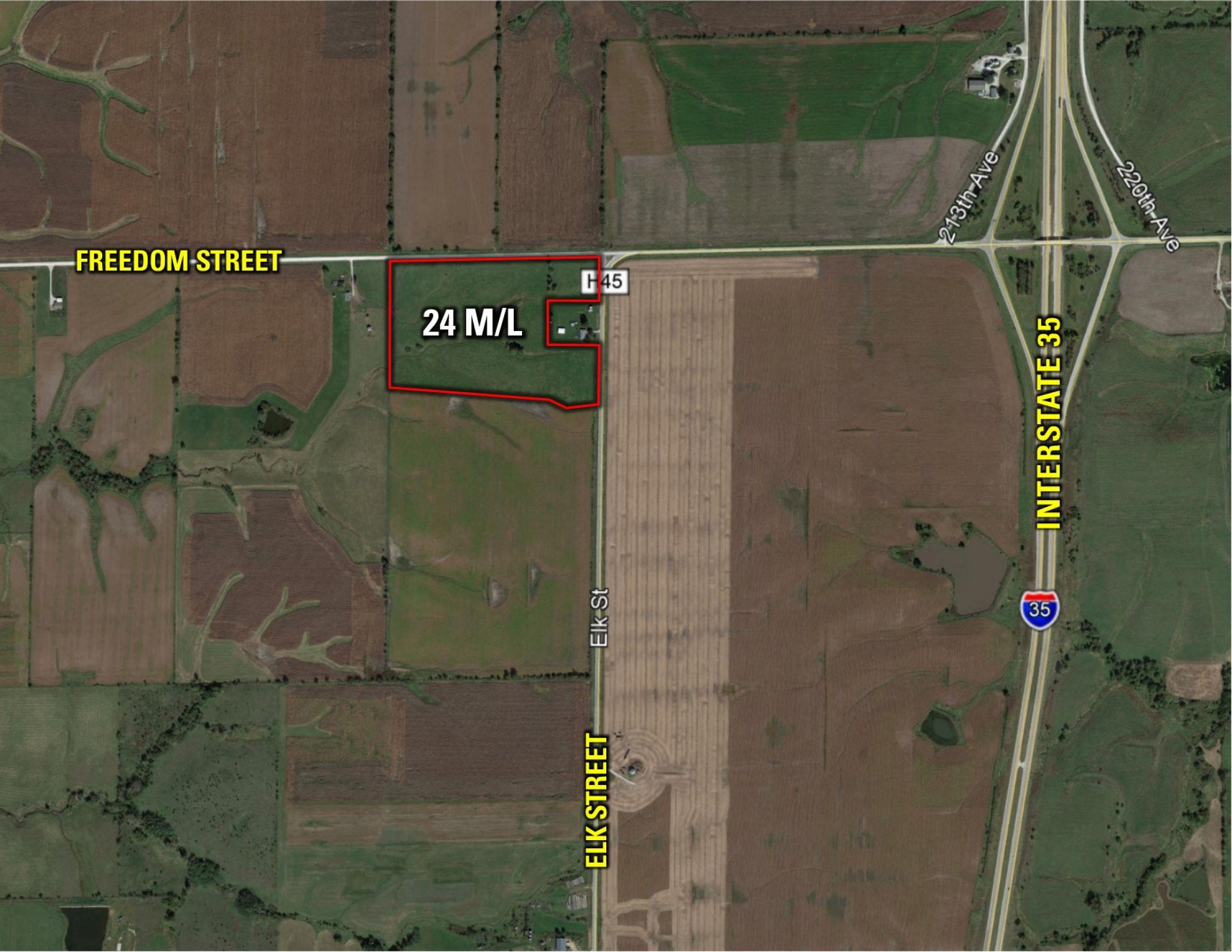 PeoplesCompany-Farmland Auction in Clarke County IA-Elk Street Osceolad